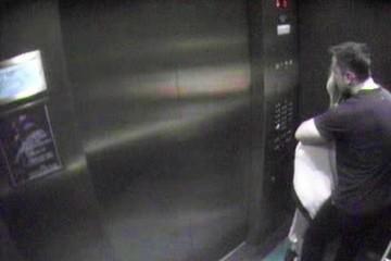 这圈太乱了德普前妻没离婚时就与马斯克约会穿泳衣在电梯搂抱